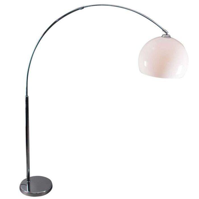 Lučna-svjetiljka-krom-s-bijelim-pleksi-hladom
