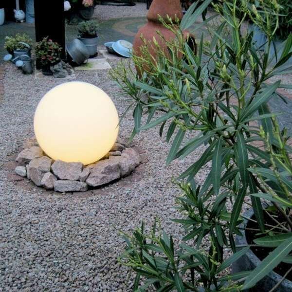 Vanjska-svjetiljka-s-uzemljenim-šiljkom-50-cm-IP44---Kugla